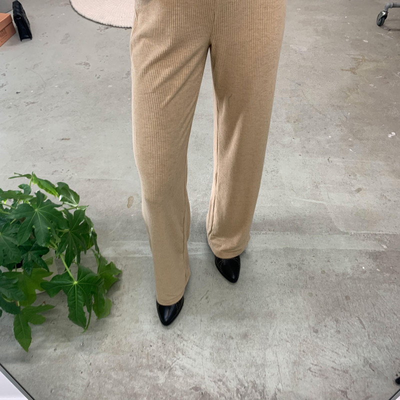 Image of Beige ONLZOE WIDE LEG PANT 15228276 fra Only (074201-831)